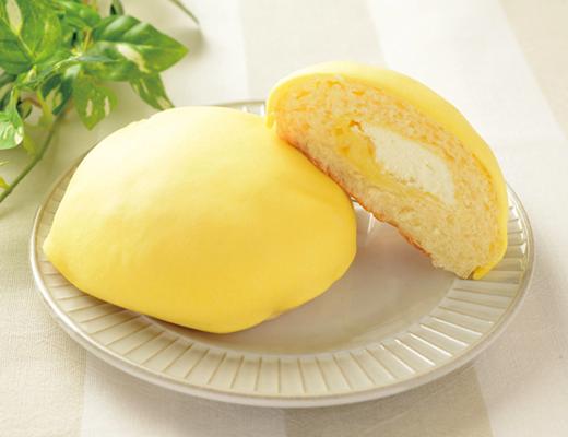 レモンづくしのクリームメロンパン!(ローソン)