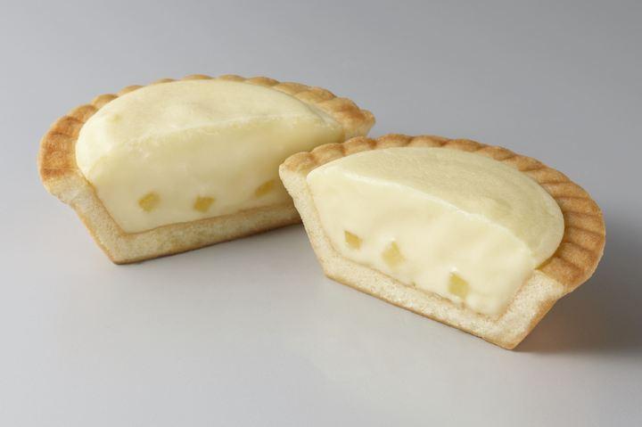 人気の「濃厚焼きチーズタルト」がレモン味で登場!(サークルKサンクス)